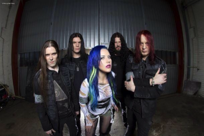 "ARCH ENEMY POSTS TRAILER FOR ""AS THE STAGES BURN!"""