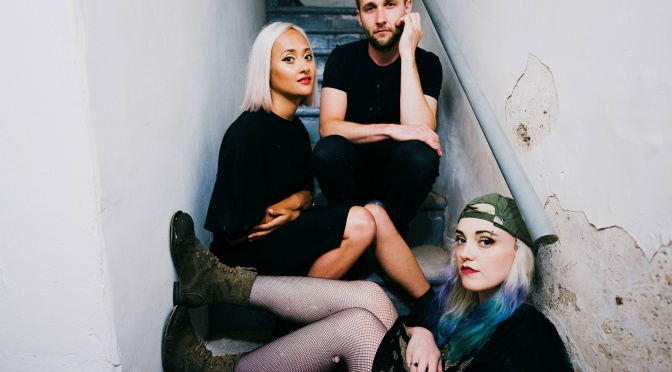 Alternative Trio SOEUR Announce New EP, Reveal Climactic New Single FIGHT